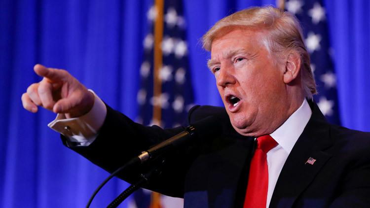 Trump afirma que el jefe de inteligencia de EE.UU. Clapper le llamó para denunciar un informe falso