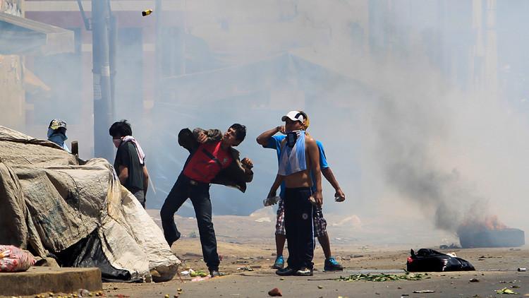 Policía peruana usa gases lacrimógenos en protestas por los peajes en Puente Piedra (VIDEOS)