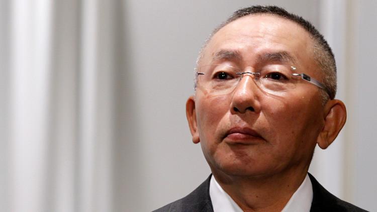 ¿Cómo perdió el hombre más rico de Japón 1.400 millones de dólares en un solo día?