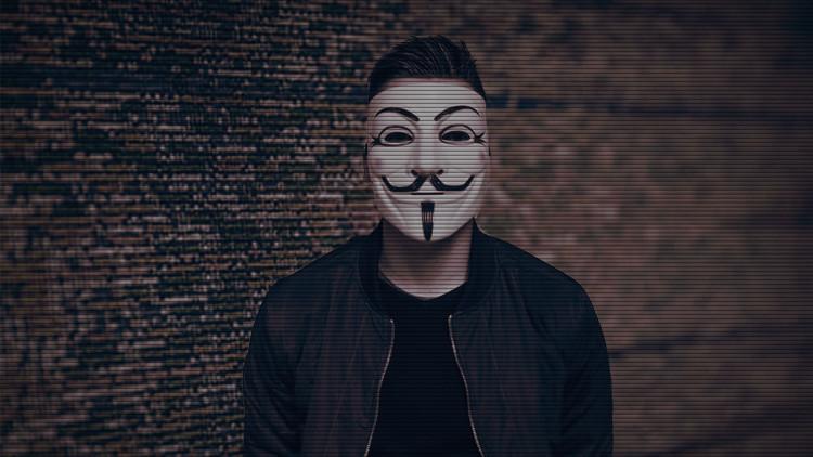 """Presunto 'hacker' que atacó al Partido Demócrata: """"La Inteligencia de EE.UU. falsifica la evidencia"""""""