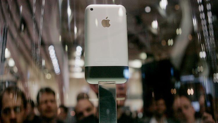 """""""Steve, déjalo, no va a funcionar"""": La apasionante historia detrás de la creación del iPhone (Video)"""