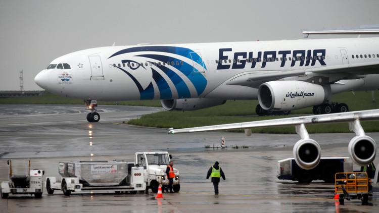 El recalentamiento de la batería de un teléfono, posible causa del incendio del MS804 de EgyptAir