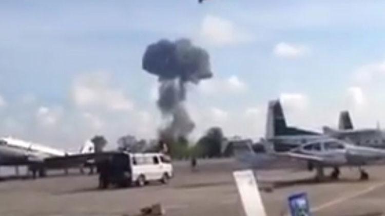 Tailandia: Un caza se estrella durante un espectáculo aéreo por el Día del Niño (Video)