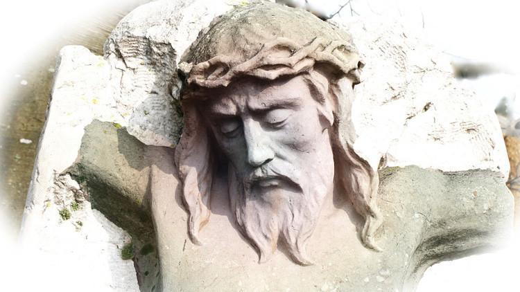 FOTO: Un ateo experimenta un 'shock' al ver la cara de Jesucristo en la puerta de un lavabo en Ikea