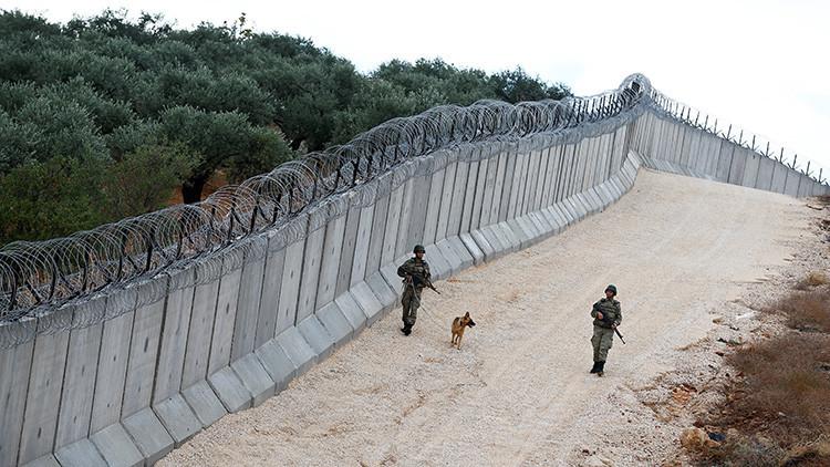 Turquía finaliza la construcción de un muro en la frontera con Siria e Irak