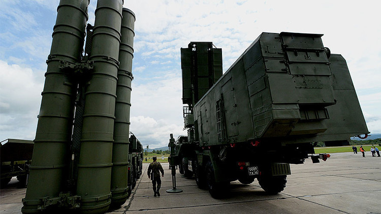 Rusia refuerza su escudo antimisiles en Crimea con los sistemas S-400 (VIDEO)