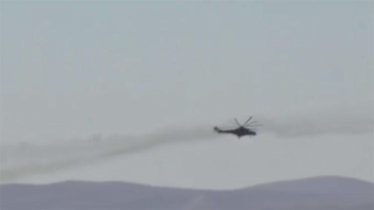 Ataques de helicópteros de producción rusa a baja altura en Siria (VIDEO)
