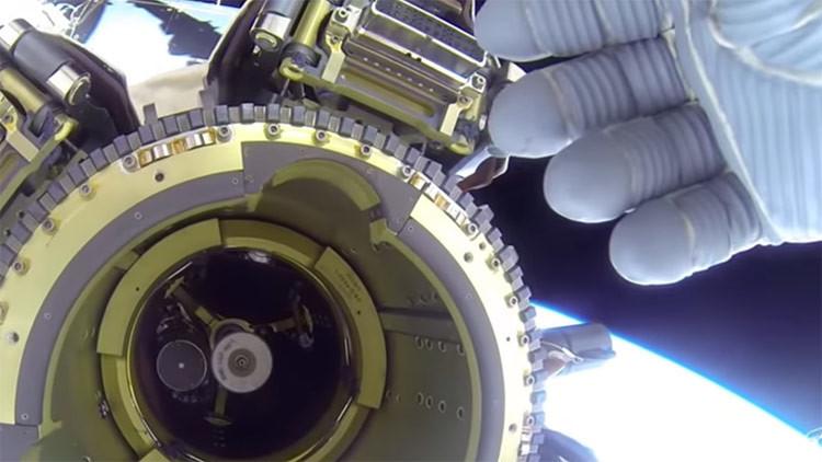 ¿Los astronautas están escondiendo evidencia de ovnis? (VIDEO)