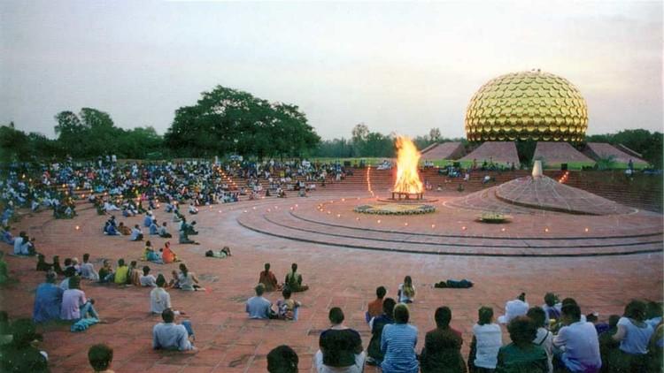 Auroville o la difícil utopía de vivir sin dinero