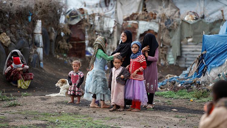 """""""No hay nada, ni comida, ni techo sobre cabeza"""": Refugiados yemeníes abandonados en la guerra"""
