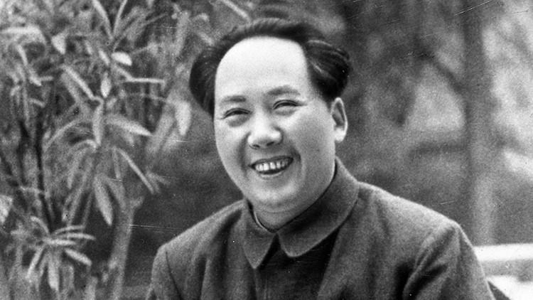 Castigan a un funcionario chino por comparar a Mao Zedong con el diablo