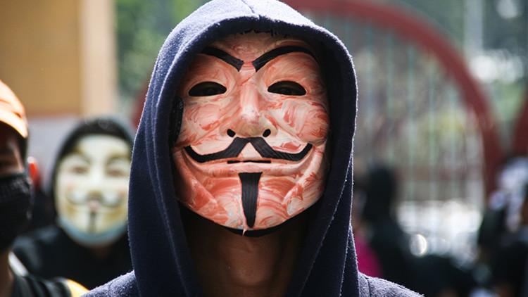 """""""Te vas a lamentar los próximos 4 años"""": Anonymous llama a sus seguidores a atacar a Trump"""