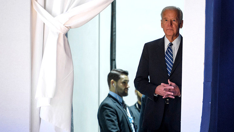 Joe Biden 'funde los plomos' del Foro de Davos (video)