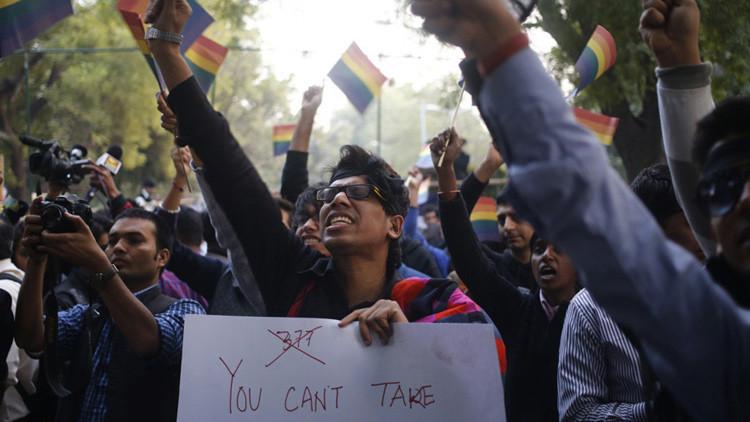 Gay indio, amenazado por su familia con violación grupal como terapia para superar la homosexualidad