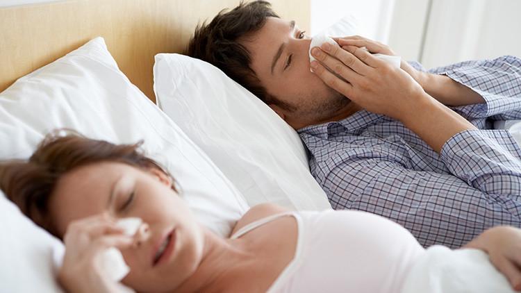 """""""Soy alérgica a mi marido"""": La entrañable historia de una mujer afectada por una rara enfermedad"""