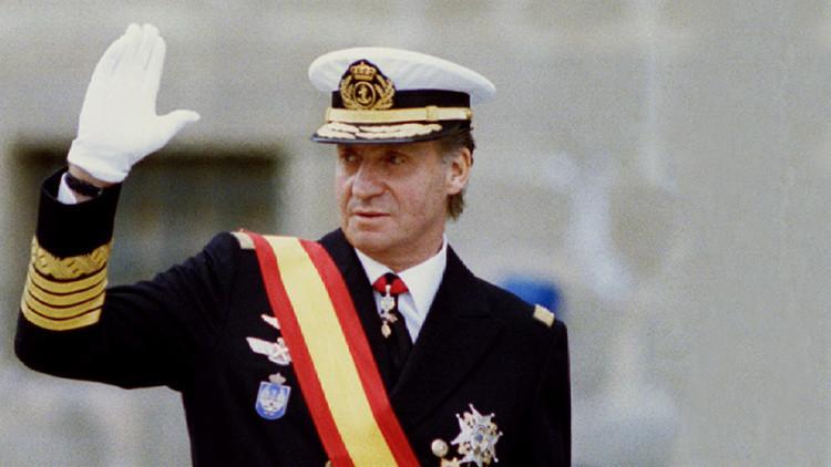 La Inteligencia española sobornó a una 'vedette' para ocultar su romance con el rey Juan Carlos I