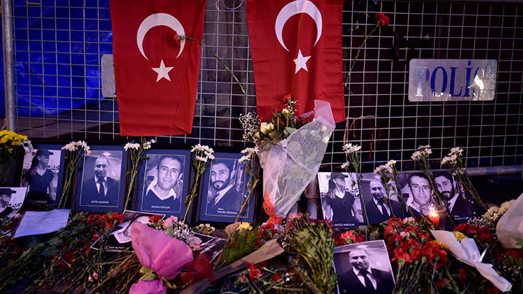 El Estado Islámico 'recompensó' con tres mujeres al presunto autor del atentado de Estambul