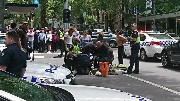 """Tres muertos y 20 heridos al ser atropellados """"de forma deliberada"""" por un coche en Melbourne"""