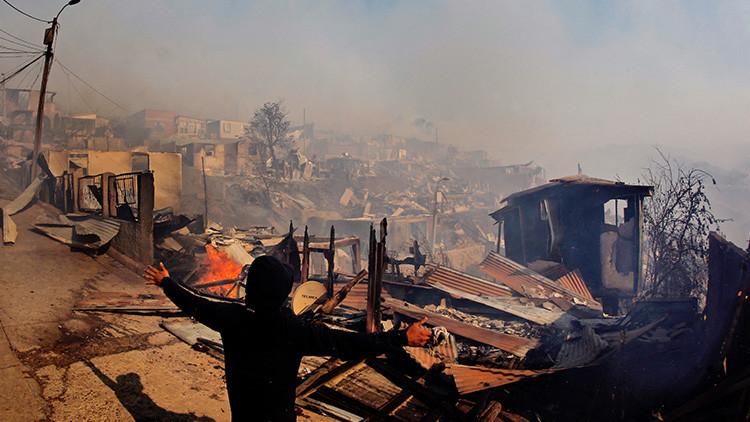 Más de 100 incendios arrasan con casi 40.000 hectáreas de bosques en Chile (Fotos)