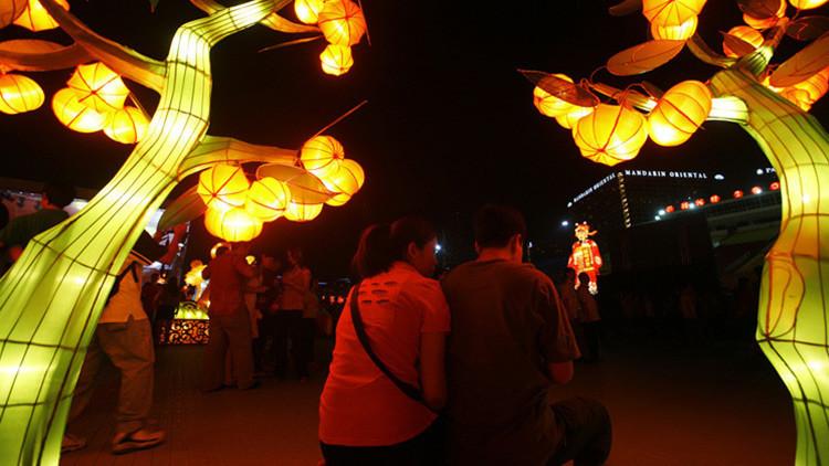 Furor en China: La demanda de 'novios de alquiler' se dispara con el Año Nuevo