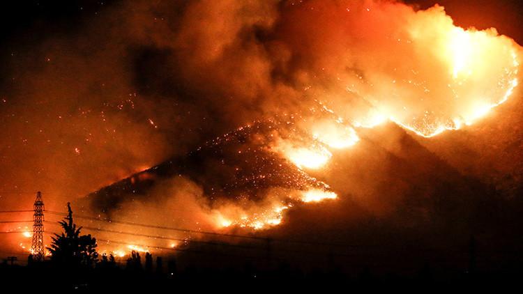 Chile declara el estado de catástrofe por fuertes incendios forestales