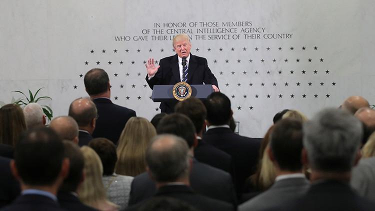 """Trump a la CIA: """"Estoy con ustedes al 1.000%"""""""