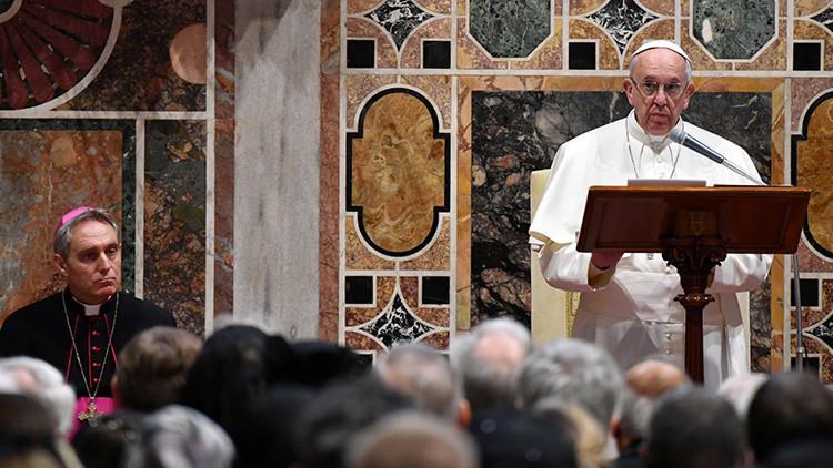 """""""Hitler fue votado por su pueblo"""": el papa Francisco advierte del peligro del populismo"""