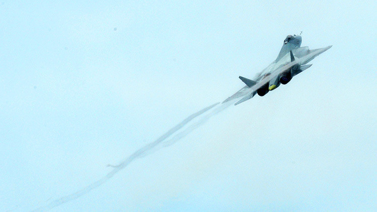 El primer video de repostaje en el aire del cazabombardero ruso de quinta generación T-50 (PAK-FA)