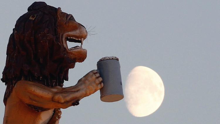 Un gran trago para la humanidad: la cerveza lunar pronto podría ser una realidad