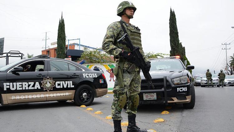 Encuentran restos de 56 personas en una fosa clandestina en México