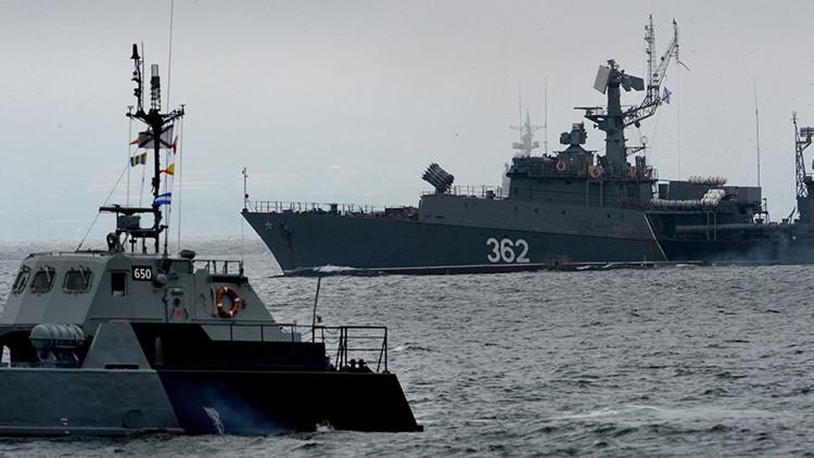 Buques de guerra rusos y japoneses realizan maniobras militares conjuntas en Japón