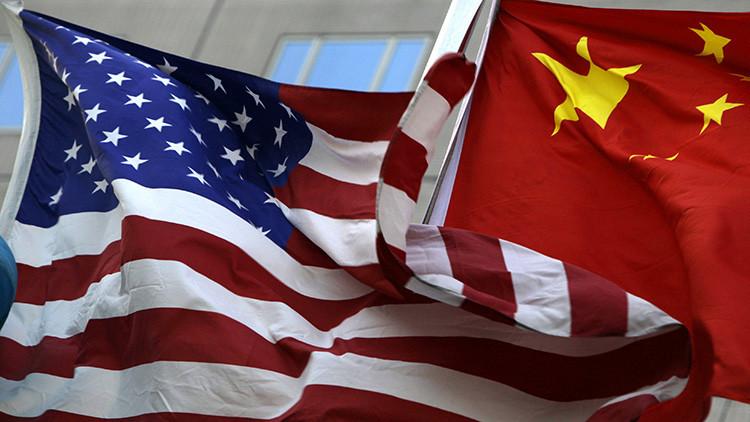 """¿Reclutamiento político?: EE.UU. va a """"programar"""" a chinos"""