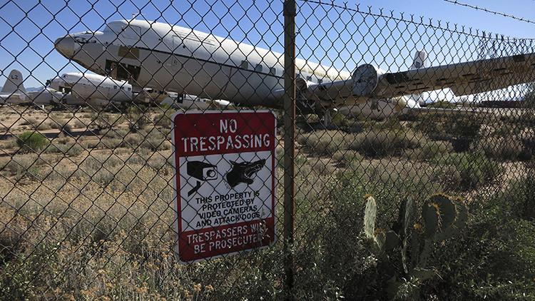 EE.UU.: cierran una base aérea de Arizona tras escucharse disparos
