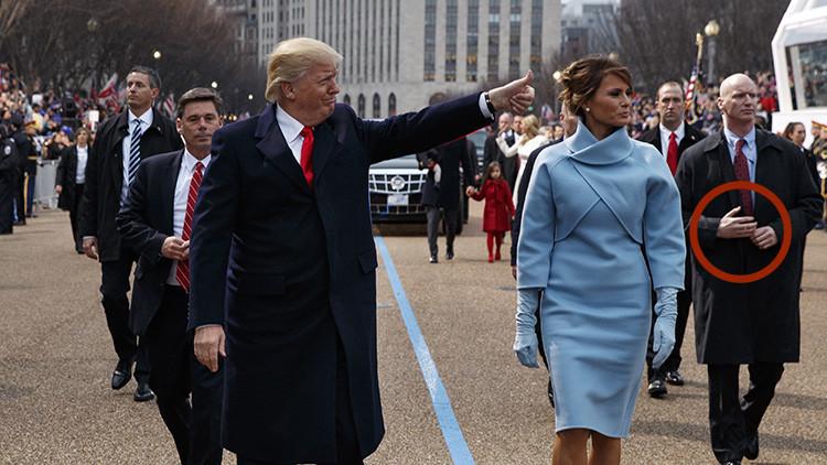 ¿Llevaba un guardaespaldas de Donald Trump unos brazos falsos? (VIDEO)