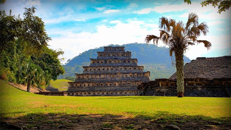 Descubren que la civilización maya cayó dos veces