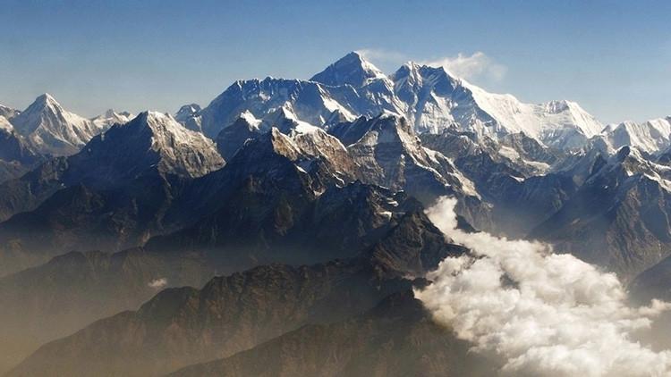 ¿Está el Everest menguando?: La India volverá a medir su altura