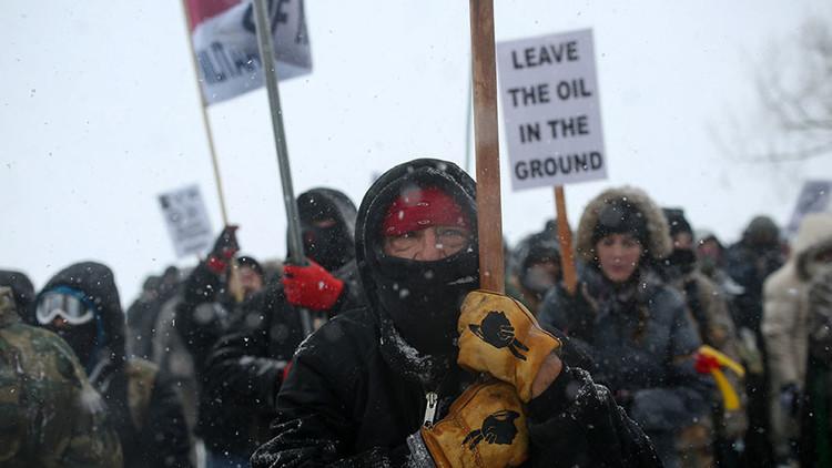 VIDEO: Protestas en EE.UU. contra la decisión de Trump de seguir adelante con los oleoductos