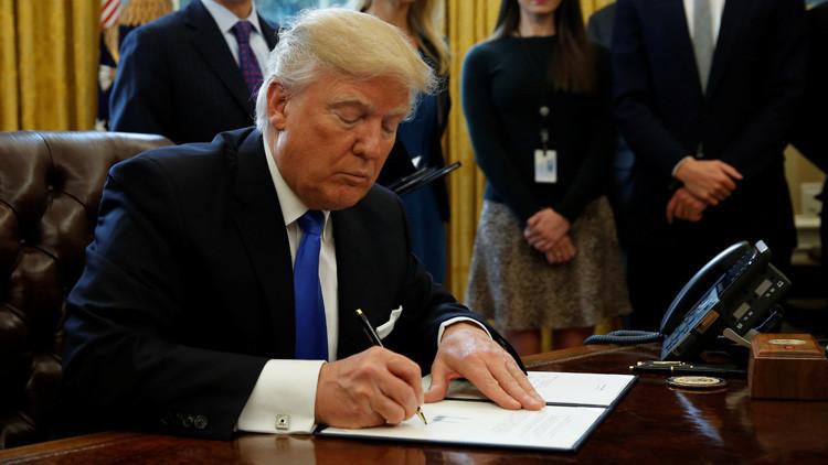 Trump podría firmar decretos sobre inmigración para restringir el acceso de refugiados