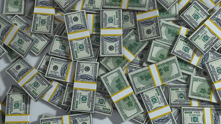 La policía de EE.UU. descubre 20 millones de dólares escondidos en un colchón (FOTO)