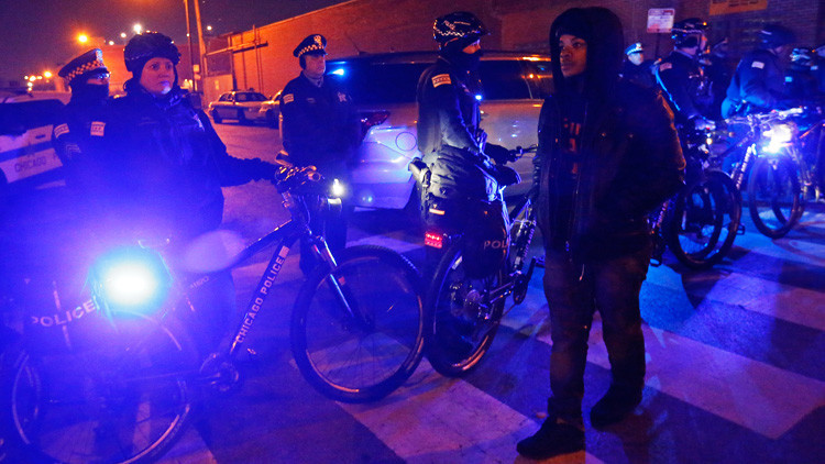 """Trump amenaza con enviar agentes federales a Chicago para acabar con la """"carnicería"""" de asesinatos"""