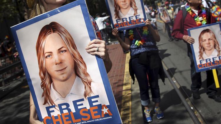 """""""Una traidora malagradecida"""": Trump arremete contra Chelsea Manning por sus críticas a Obama"""