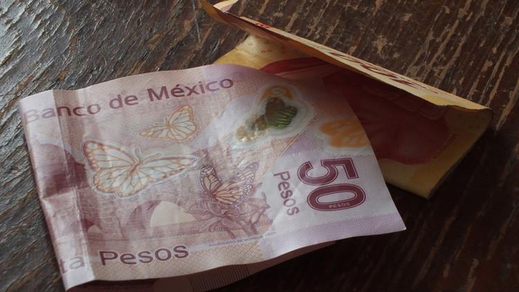 El peso mexicano sufre por los tuits de Peña Nieto y Trump