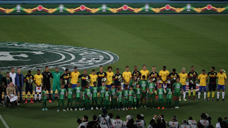 Brasil y Colombia recaudan 380.000 dólares en un partido de homenaje al Chapecoense