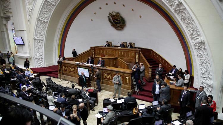 """La oposición venezolana aprueba una resolución contra la """"injerencia"""" de Rusia"""