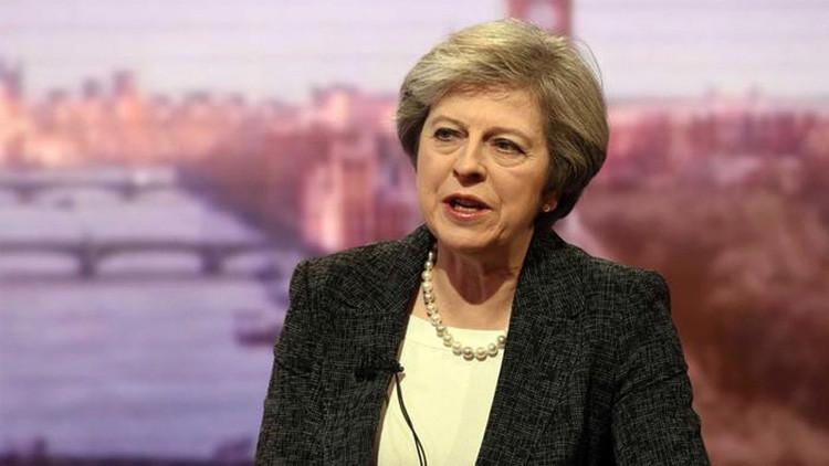 ¿Se humilla el Reino Unido?: May 'se vende' a cambio de un acuerdo comercial con Trump