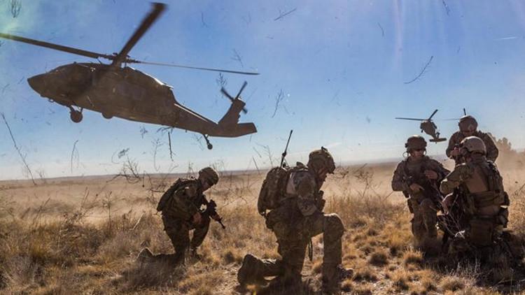"""Trump firma un decreto para emprender """"una gran reconstrucción"""" de las Fuerzas Armadas de EE.UU."""