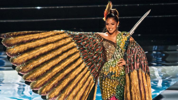 Las bellezas de América Latina lucen los trajes nacionales en el concurso Miss Universo