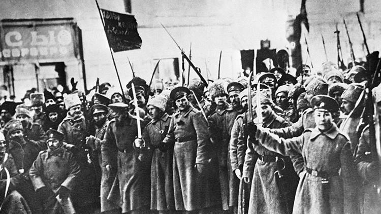 """Polémica en España por """"la hermosa Revolución rusa"""" en la que murieron """"cinco personas"""""""