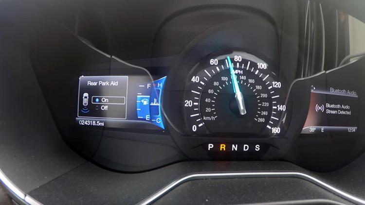 Video: ¿Qué sucede si pones la reversa circulando a toda velocidad?