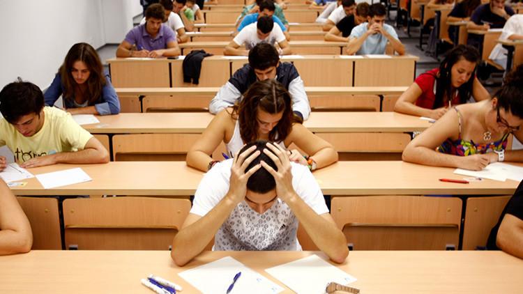 España: nueve universitarios brillantes hacen 'crowfunding' para poder seguir estudiando